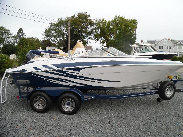 2009 Four Winns H200