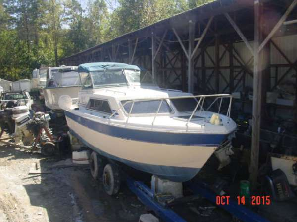 1981  Chris-Craft  280 Catalina