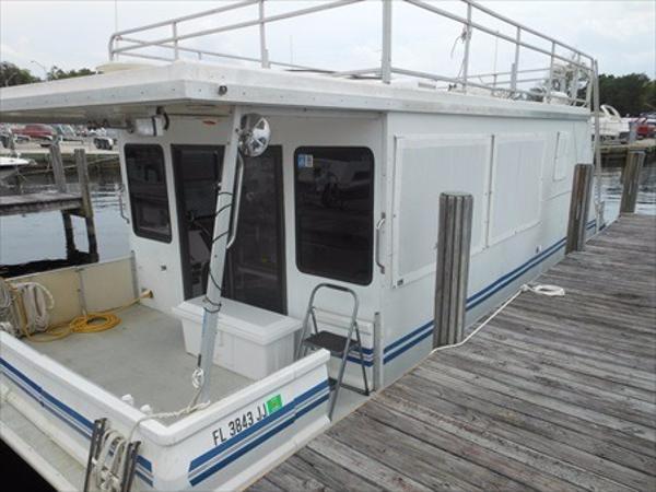 1996 Catamaran Cruiser 12' x 35'