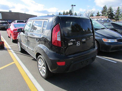 Kia : Soul 5dr Wagon Automatic 5 dr wagon automatic low miles 4 dr manual gasoline 1.6 l 4 cyl black