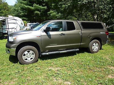 Toyota : Tundra Double Cab 2013 toyota tundra 4 x 4 dbl cab 5.7 liter engine 6 ft bed with matching shell