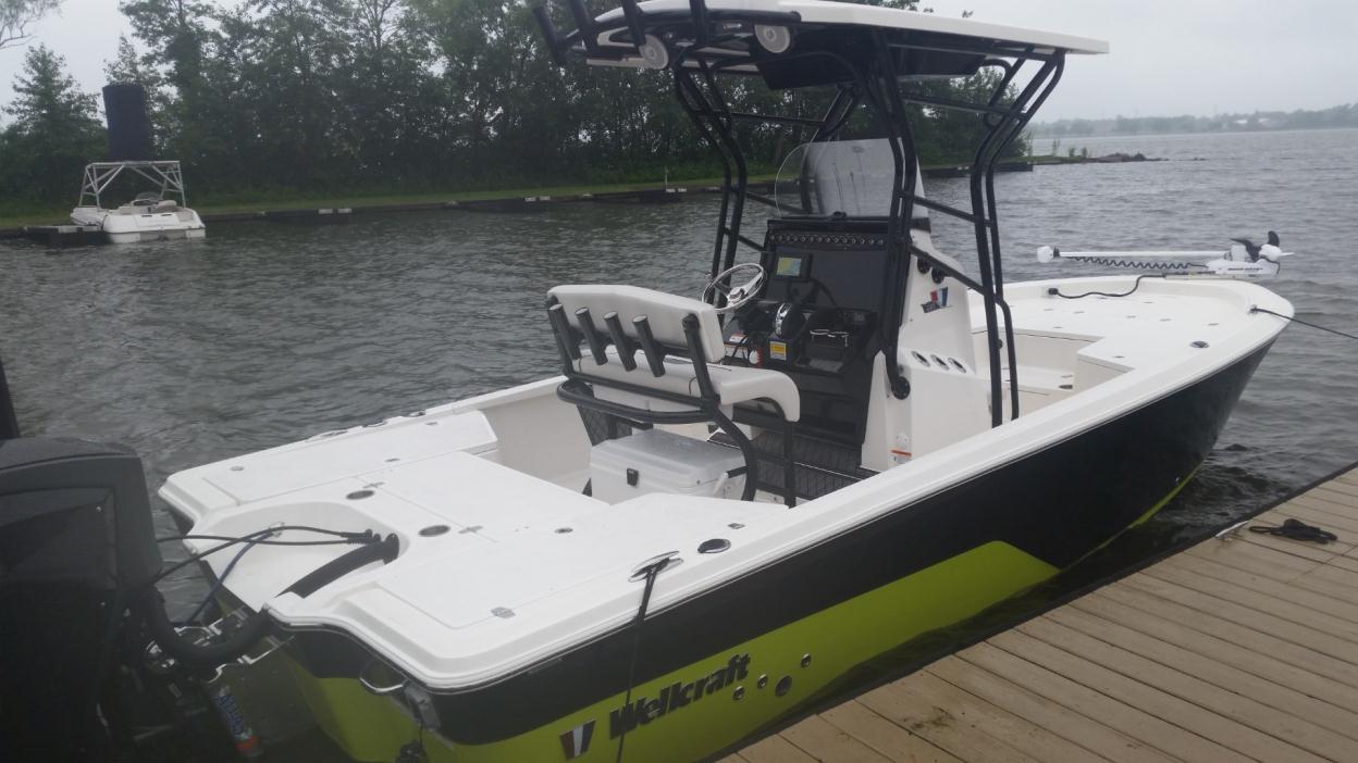 2016 Wellcraft 221 FISHERMAN