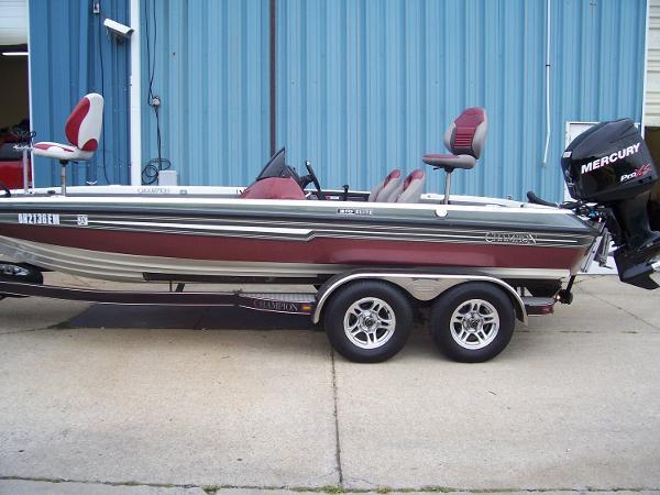 0b3273cda8a4f Champion 210 Elite Boats for sale