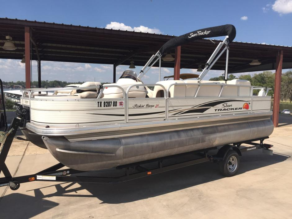 2010 Sun Tracker FISHIN' BARGE 21 Signature Series
