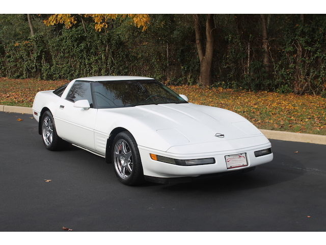 Chevrolet : Corvette 2dr Coupe Ha white with red clean carfax low miles chrome wheels engine upgrades
