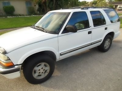 Chevrolet : Blazer 4 DOOR 2001 chevy blazer 4 door 4 x 4 suv 93 k leather second owner automatic transmission