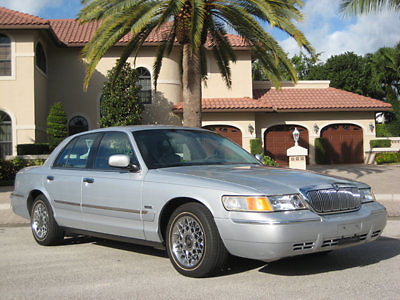 Mercury : Grand Marquis GS PRECISION TRAC LIMITED EDITION 2002 mercury grand marquis only 26 433 miles runs drives and smells like new