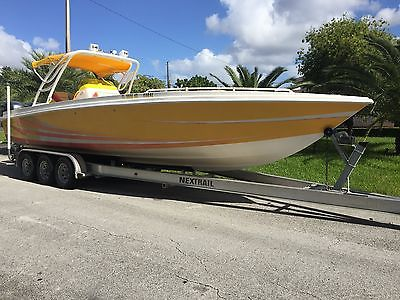 AVANTI 33 CENTER CONSOLE CUDDY w/TWIN YAMAHA 250s LOW HOURS (337) ***MIAMI***