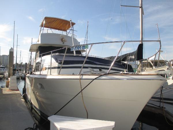 1978 Chris-Craft 410 Commander Yacht