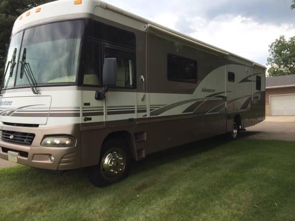 2005 Winnebago Adventurer 38J For Sale in Farmington, Minnesota 55024