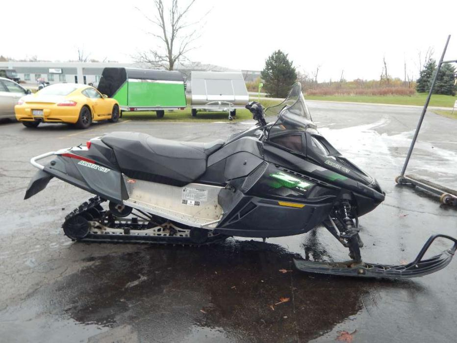 arctic cat zr 5000 lxr team arctic green motorcycles for sale. Black Bedroom Furniture Sets. Home Design Ideas