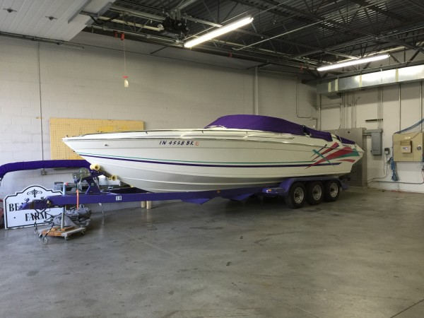1995 Formula 303 SR-1 V-hull powerboat