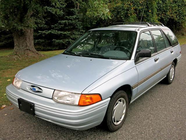 1993 Ford Escort LX Wagon Blue
