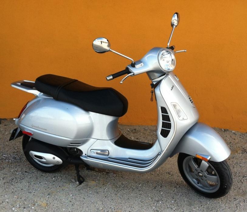 2010 Vespa GTS 300