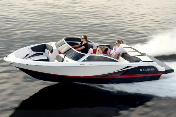 2016 Four Winns H190RS with Wakeboard Tower