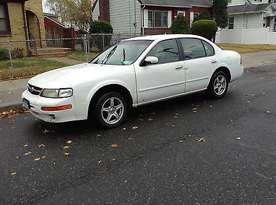 Nissan : Maxima 1998 nissan maxima white low price
