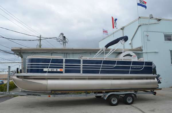 2014 STARCRAFT MARINE Stardeck 236 Cruise-N-Fish