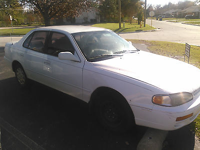 Toyota : Camry LE 1996 toyota camry le white with silver trim tan interior new engine