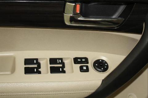 2012 KIA SORENTO 4 DOOR SUV