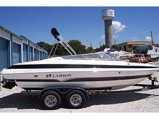 2007 Larson 228 LXI Boat