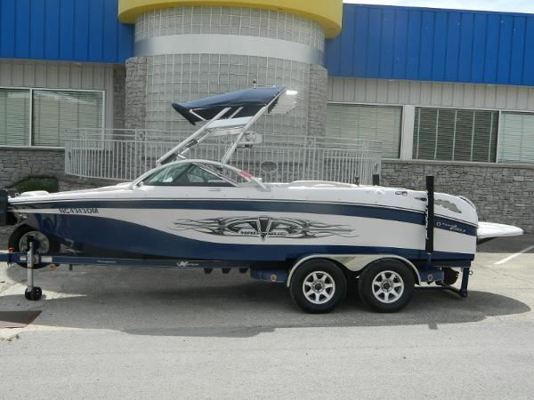 2008 Nautique SV-211