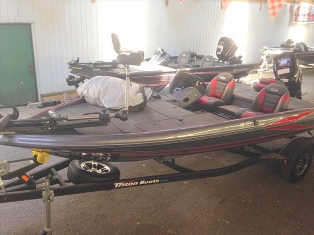 2014 Triton Bass Boats 18XS