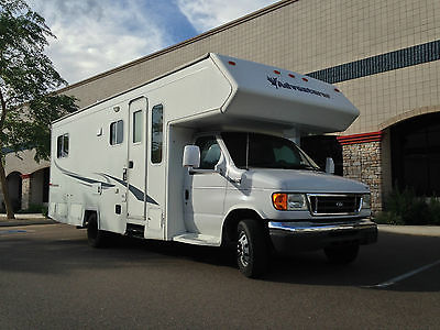 2005 ADVENTURER Class C 27ft Motorhome/Camper with Slide-Out