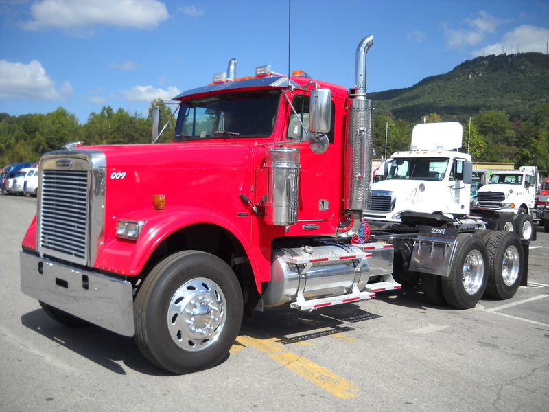Freightliner Fld 120sd Classic cars for sale in Virginia