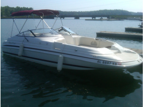 1999 Chris-Craft 230 Sport Deck