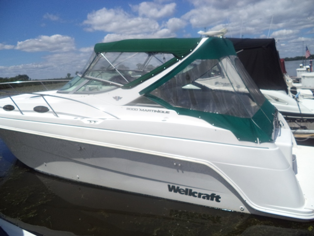 1998 Wellcraft 3000 Martinique