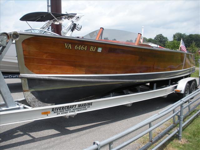 2006 Custom 25 ft. Custom Wood Runabout Long IV