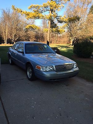 Ford : Crown Victoria 2001 ford crown victoria