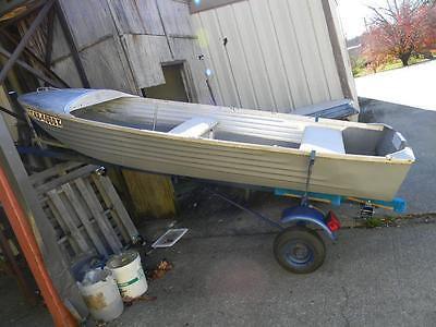 McKenzie Boat Company The Lifetime 12Ft Aluminum Boat - Model A with Trailer