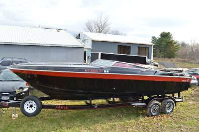 1987 Wellcraft Nova Spyder 3 with Eagle Trailer