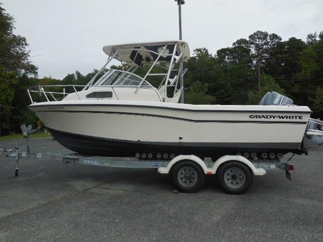 2004 Grady-White 226 Seafarer