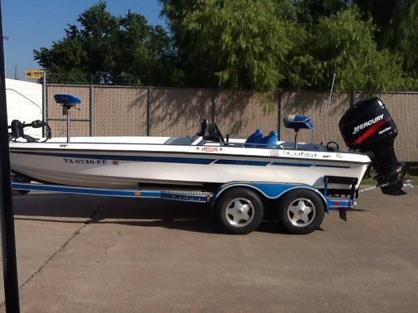 2000 Viper Boats Cobra 201