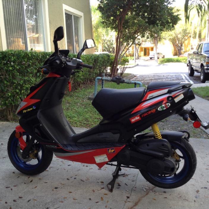 aprilia sr 50 r replica sbk motorcycles for sale. Black Bedroom Furniture Sets. Home Design Ideas