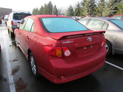 Toyota : Corolla 4dr Sedan Automatic S 4 dr sedan automatic s low miles automatic gasoline 1.8 l 4 cyl red