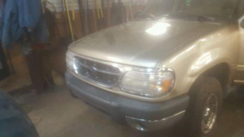 Ford : Explorer XL Sport Utility 4-Door XL 4WD 4-Door 4.0L  4x4 SUV needs work
