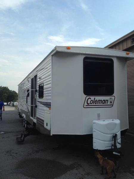 2011 Coleman Travel Trailer BIGGEST one made!!! Must see!