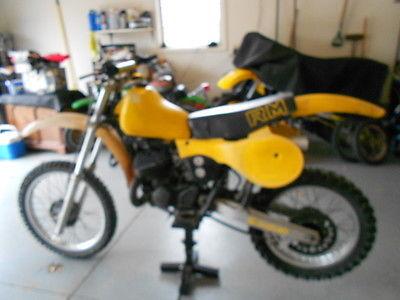 Suzuki : RM 1981 suzuki rm 250 x
