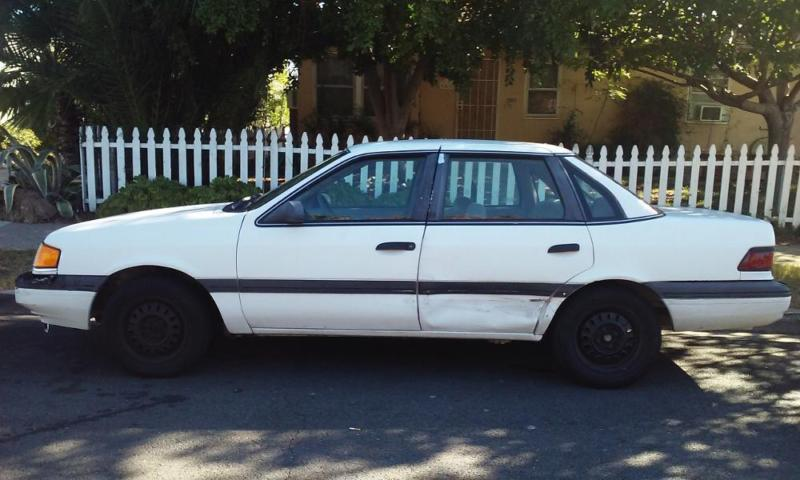 1990 Ford Tempo 900.00 or best