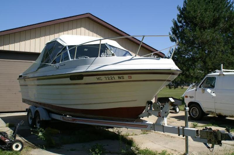 24' 1989 Thompson 240 Fisherman