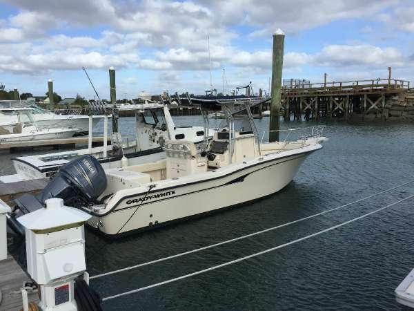 2003 Grady-White 257 Fisherman