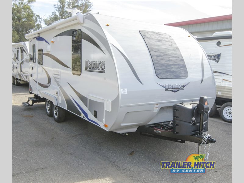 2015 Lance 1172 Long Bed Dually Camper
