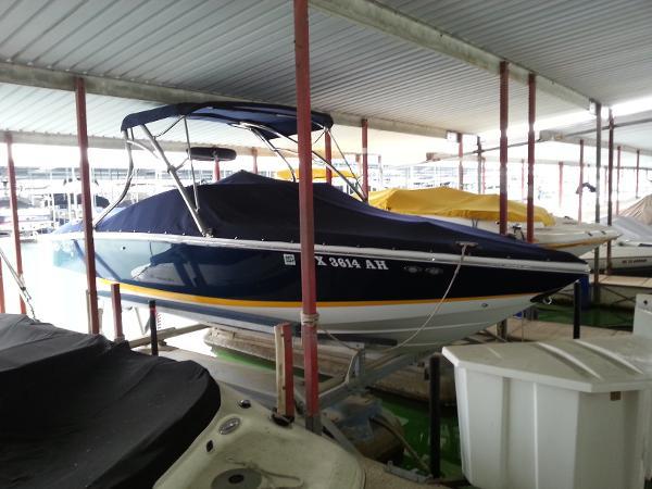 2007 Cobalt 220 BR