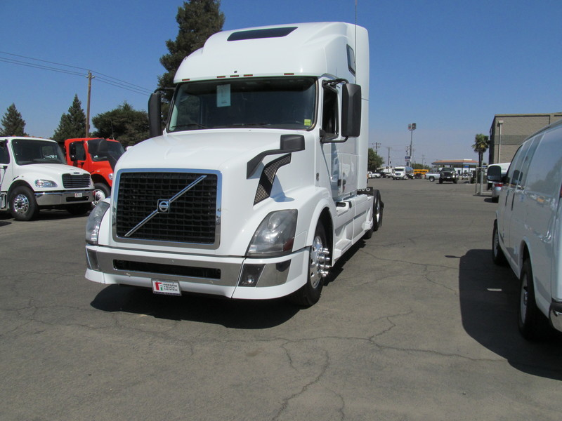 2013 Volvo Trucks Vnl64t-670