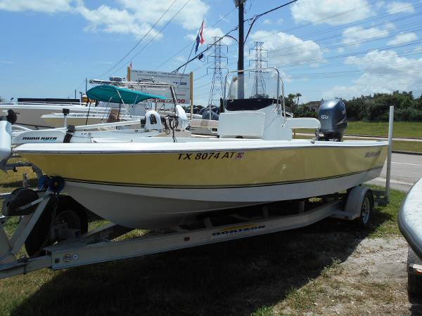 2007 Wellcraft 195 Bay
