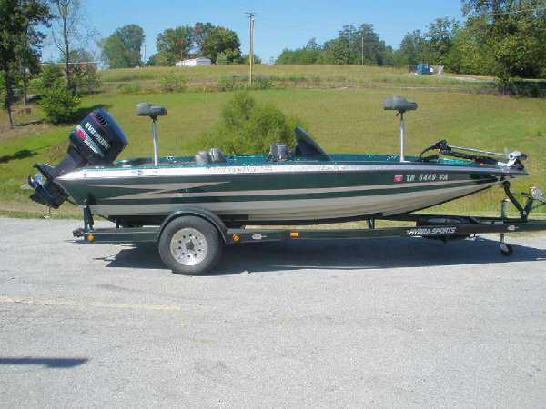 hydra sport boat wiring diagram html with Hydra Sports Wiring Diagram 1997 Ls175 on Wiring Diagram 1987 Skeeter Boat furthermore Glastron Sx195 Wiring Diagram also 2200 Sport NauticStar Boats together with Bass Tracker Pro 16 Wiring Diagram likewise Chaparral 255 Wiring Diagram.