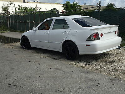 Lexus : IS Base Sedan 4-Door lexus IS300 low miles , wheels, exhaust ,front lip, spoiler clean interior